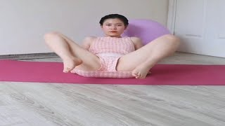 Watch video: [No Bra] Morning Yoga Routine Full HD